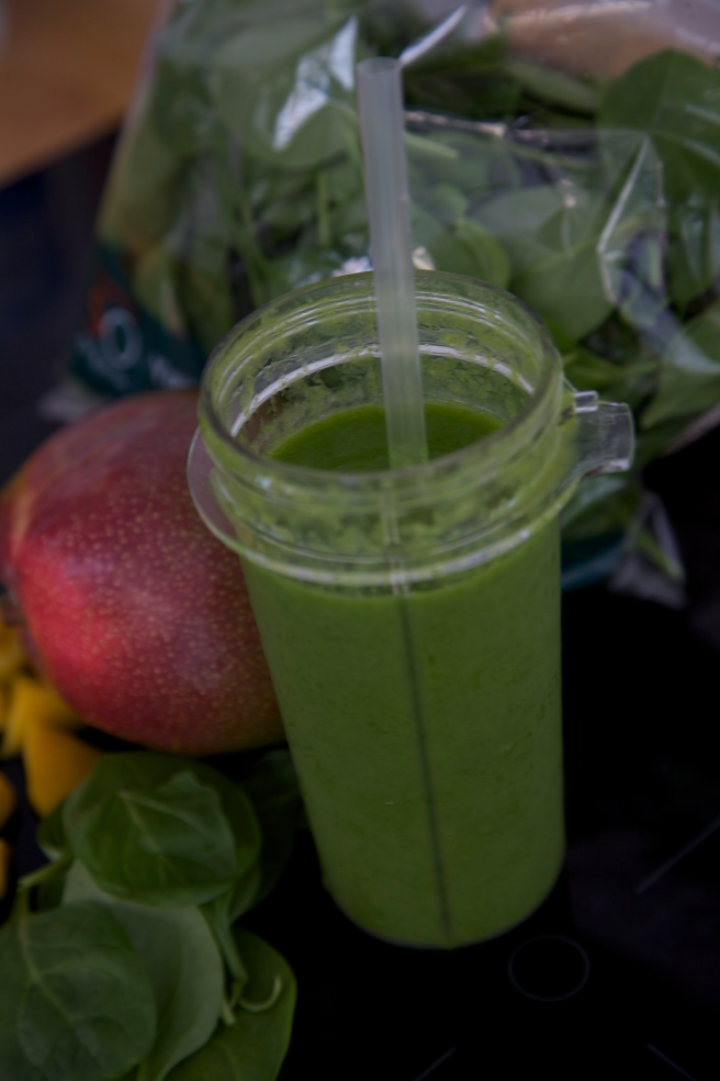 Smoothy Mango spinach oncebyalys tribest personal blender, Fitness, health, Fitness fashion, Fitness Fashion Blog, oncebyalys, Functional Fitness,