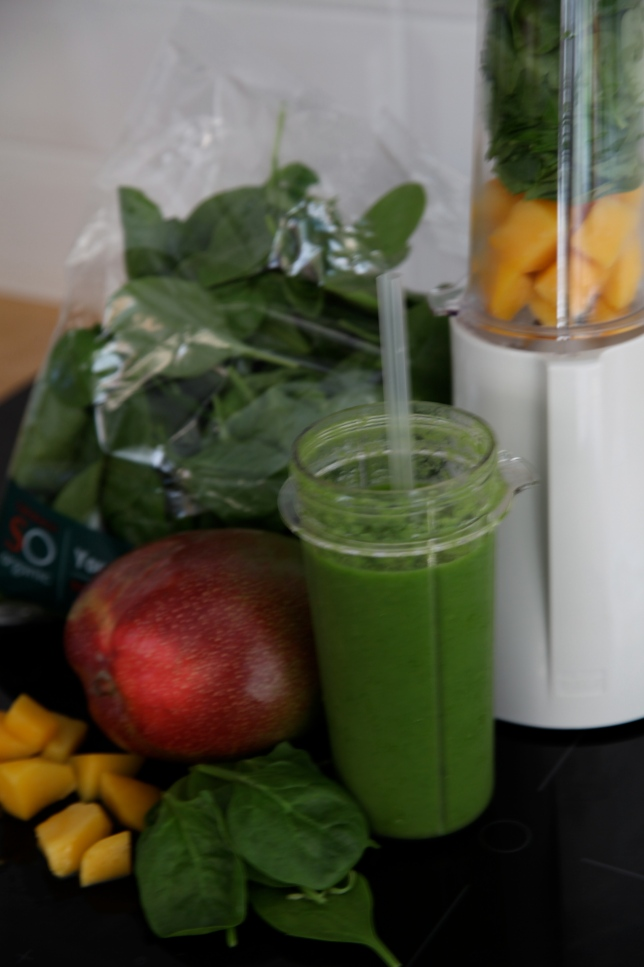 Smoothy Mango spinach oncebyalys tribest personal blender SOorganic Sainbury's, Fitness, health, Fitness fashion, Fitness Fashion Blog, oncebyalys, Functional Fitness,