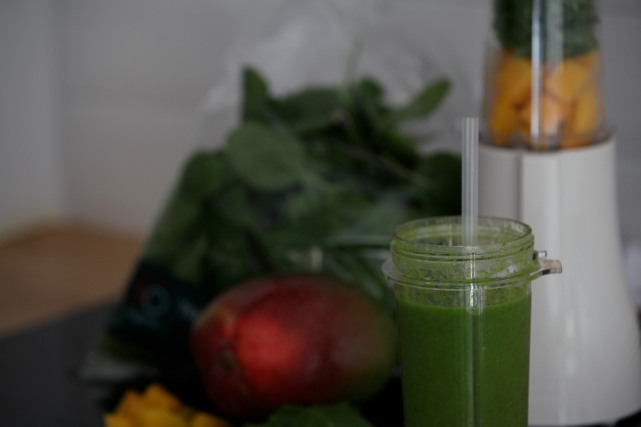 Smoothy Mango spinach oncebyalys tribest, Fitness, health, Fitness fashion, Fitness Fashion Blog, oncebyalys, Functional Fitness, personal blender SOorganic Sainbury's