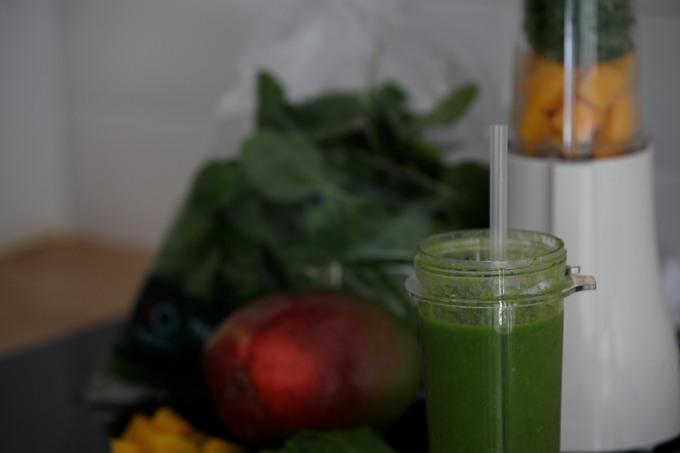 Smoothy Mango spinach oncebyalys tribest personal blender SOorganic Sainbury's