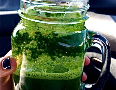 Green smoothy kale and grapes oncebyalys, Fitness, health, Fitness fashion, Fitness Fashion Blog, oncebyalys, Functional Fitness,